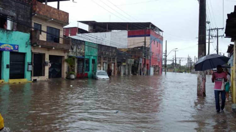 Fortes chuvas atingiram a capital baiana na terça-feira | Foto: Shirley Stolze | Ag. A TARDE - Foto: Shirley Stolze | Ag. A TARDE