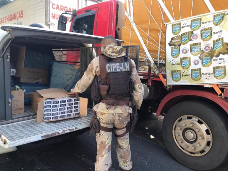 Carga estava em um caminhão escondido em um galpão   Foto: Divulgação   PM - Foto: Divulgação   PM