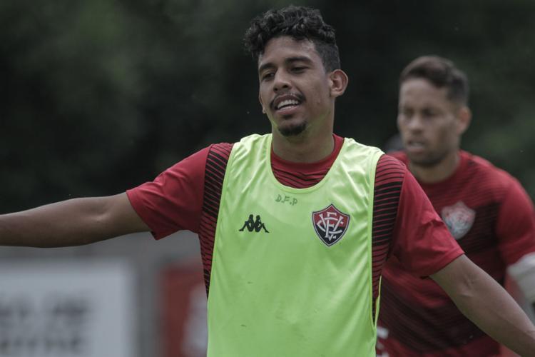 O lateral de 27 anos defendeu o Vitória apenas quatro vezes | Foto: Letícia Martins | EC Vitória - Foto: Letícia Martins | EC Vitória