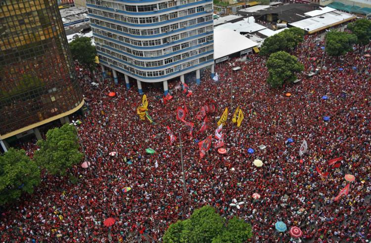 Torcedores lotaram as ruas do Rio de Janeiro   Foto: Carl de Souza   Ag. A TARDE - Foto: Carl de Souza   Ag. A TARDE