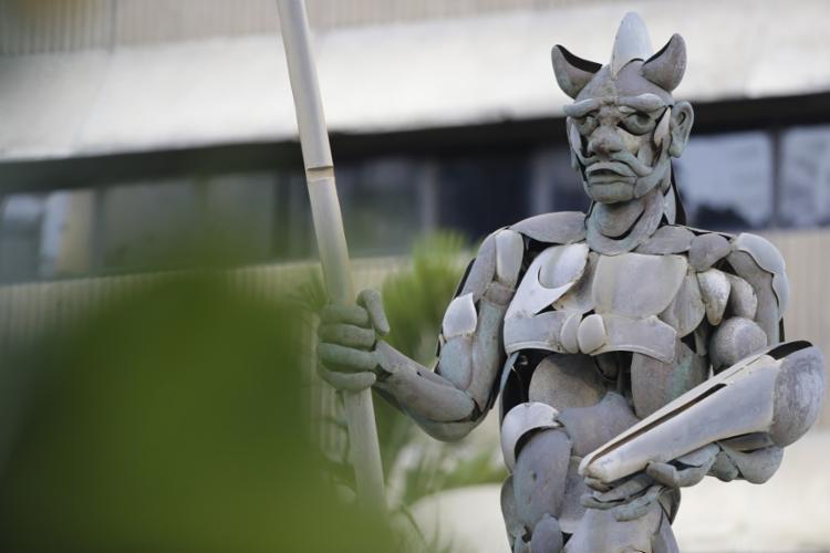 Escultura de Exu, de Mario Cravo Jr.