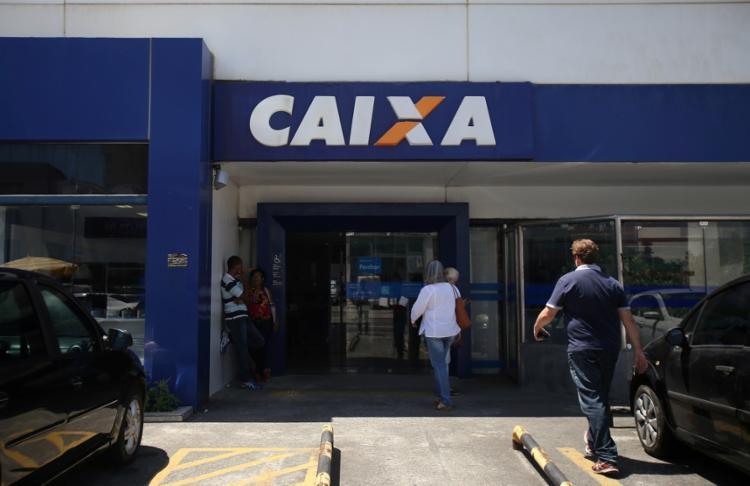 São realizados, em média, mais de 650 mil pagamentos do Saque Imediato por dia nos canais disponibilizados pela CAIXA | Foto: Raphael Muller | Ag. A TARDE - Foto: Raphael Muller | Ag. A TARDE