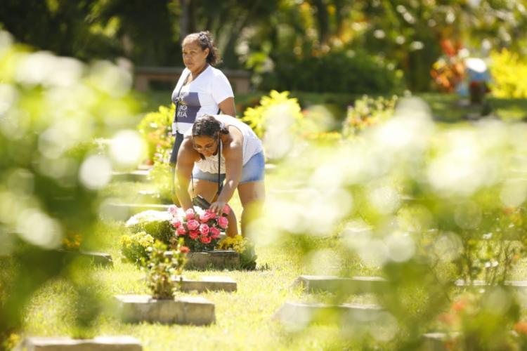 Dia de Finados será marcada por missas e homenagens | Foto: Rafael Martins | Ag. A TARDE - Foto: Foto: Rafael Martins | Ag. A TARDE