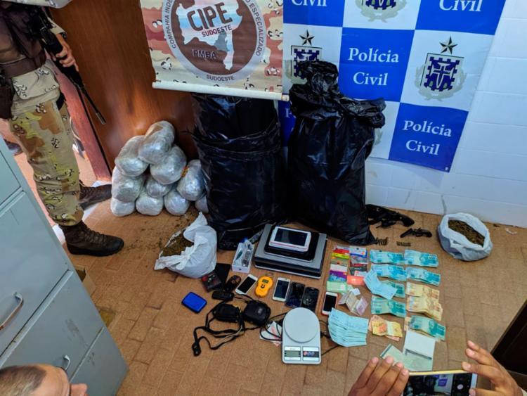 Com o suspeito também foi encontrado mais de R$ 7 mil em espécie | Divulgação | SSP - Foto: Divulgação | SSP