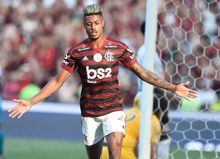Com o hat-trick, Bruno Henrique chegou aos 15 gols no campeonato | Foto: Paulo Sérgio | Estadão Conteúdo - Foto: Paulo Sérgio | Estadão Conteúdo