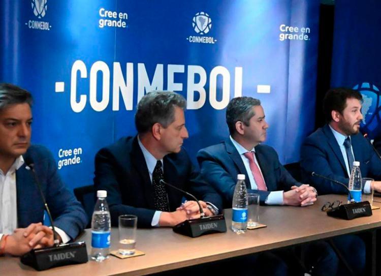 Presidente não sabe se é possível recuperar valor das passagens aéreas para Santiago | Foto: Norberto Duarte | AFP - Foto: Norberto Duarte | AFP