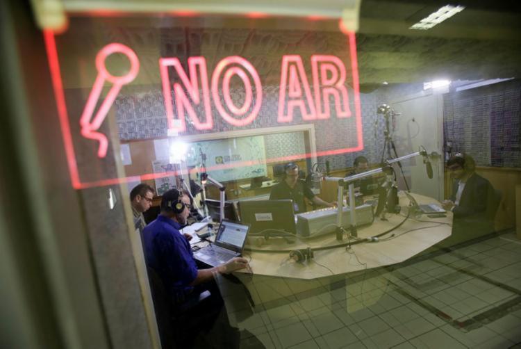Programa Isso é Bahia está ao vivo na A TARDE FM 103,9 - Foto: Raul Spinassé   Ag. A TARDE
