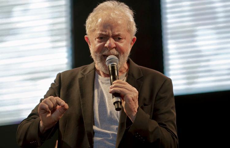 Pena foi agravada por Lula ter praticado crimes enquanto presidente | Foto: Leo MALAFAIA | FOLHA DE PERNAMBUCO | AFP - Foto: Leo MALAFAIA | FOLHA DE PERNAMBUCO | AFP