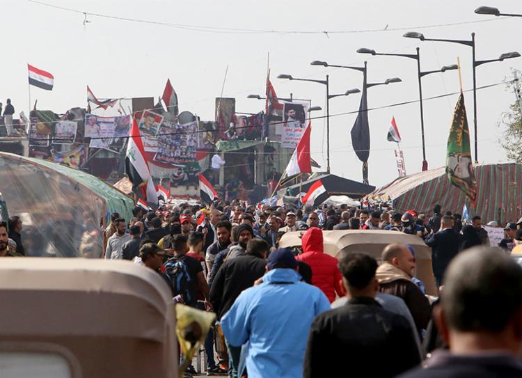 Manifestantes querem restabelecimento do sistema político e renovação da classe dominante | Foto: Sabah Arar | AFP - Foto: Sabah Arar | AFP