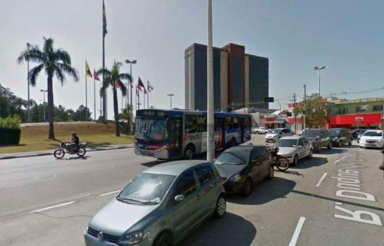 Caso aconteceu na rua Duque de Caxias, em Barueri   Foto: Reprodução - Foto: Reprodução