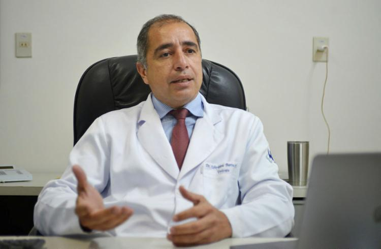 Ubirajara Barroso Jr. aponta a necessidade de prevenir câncer de pênis | Foto: Shirley Stolze | Ag. A TARDE