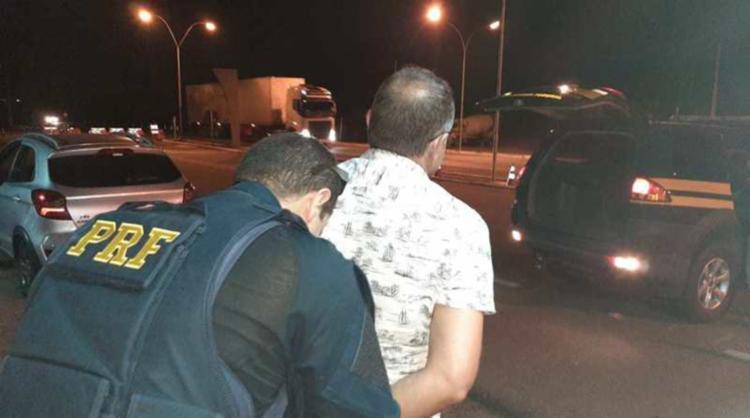Suspeito de 47 anos possuía mandado de prisão aberto em Valença | Foto: Divulgação | PRF-BA - Foto: Divulgação | PRF-BA