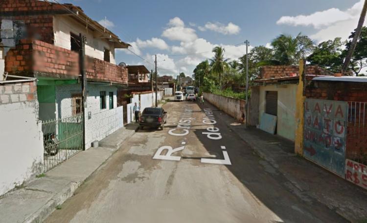 A rua Crispiniano L. de Oliveira será uma das beneficiadas   Reprodução   Google Street View - Foto: Reprodução   Google Street View