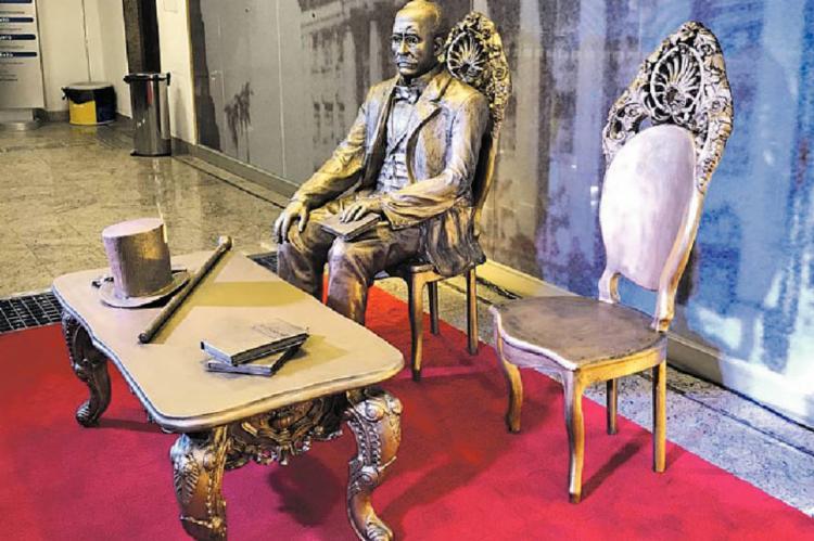 Monumento ao jurista baiano ficará exposto na sede do Tribunal de Justiça da Bahia de forma permanente | Foto: Adriano Biset Queiroz | TJ-BA - Foto: Adriano Biset Queiroz | TJ-BA | Divulgação