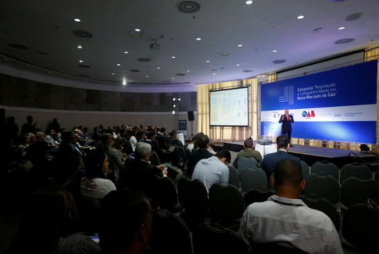 Simpósio reuniu especialistas para discutir medidas que estimulem a cadeia produtiva | Foto: Rafael Martins | Ag. A TARDE - Foto: Rafael Martins | Ag. A TARDE