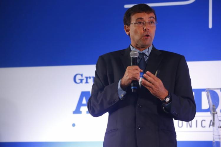 Queiroz também lembrou que o país só possui 9 mil quilômetros de gasodutos, extensão existente desde 2010 | Foto: Rafael Martins | Ag. A TARDE - Foto: Rafael Martins | Ag. A TARDE