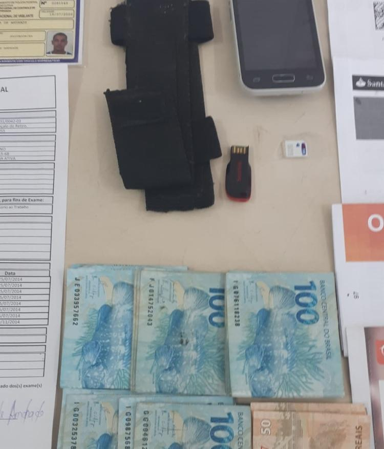 A polícia apreendeu R$ 4,7 mil   Foto: Divulgação   SSP - Foto: Divulgação   SSP