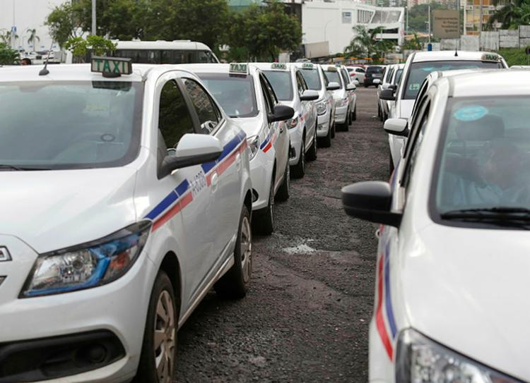 Anúncio foi feito pela Comissão dos Taxistas da Bahia | Foto: Adilton Venegeroles | Ag. A TARDE - Foto: Adilton Venegeroles | Ag. A TARDE