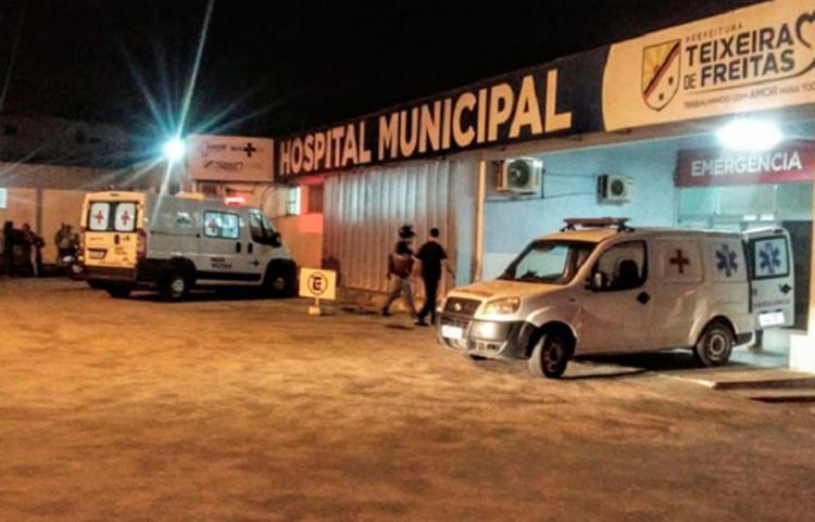 Vítima foi socorrida para o Hospital Municipal de Teixeira de Freitas (HMTF) | Foto: Reprodução | Teixeira Hoje - Foto: Reprodução | Teixeira Hoje