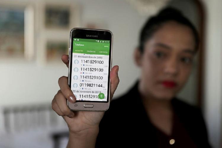 Usuários reclamam da quantidade de ligações e horários | Foto: Uendel Galter / Ag. A TARDE - Foto: Uendel Galter / Ag. A TARDE