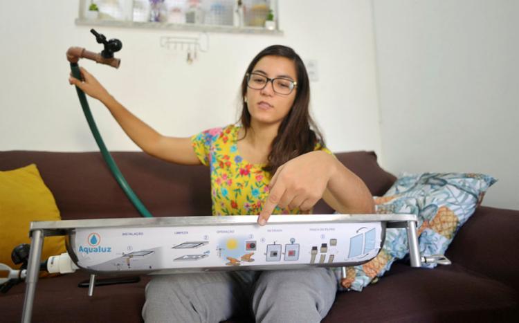 Invento de Anna Luisa, chamado de aqualuz, é o campeão mundial do planeta em premiação de jovens cientistas | Foto: Shirley Stolze | Ag. A TARDE - Foto: Shirley Stolze | Ag. A TARDE