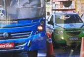 Trânsito fica lento na Suburbana após carro capotar e deixar óleo espalhado na pista | Foto: Reprodução | TV Bahia