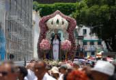 Sob sol forte, fiéis lotam ruas do Comércio em homenagem à padroeira da Bahia | Foto: Rafael Martins | Ag. A TARDE