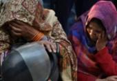 Pelo menos 43 pessoas morrem em incêndio numa fábrica de Nova Delhi, na Índia | Foto: Sajjad Hussain | AFP