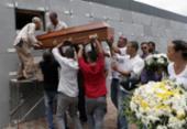 Motoristas de aplicativo são enterrados sob forte comoção em Salvador | Foto: Uendel Galter | Ag. A TARDE