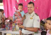 Policiais fazem doação de presentes para crianças carentes em Feira de Santana | Foto: Divulgação | SSP-BA