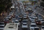 Protestos de motoristas de aplicativo travam trânsito de Salvador | Foto: Felipe Iruatã | Ag. A TARDE