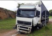 Colisão entre carro e carreta deixa um homem morto | Divulgação | Voz da Bahia