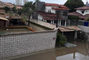 Forte chuva provoca alagamentos e causa transtornos em Salvador | Cidadão Repórter via WhatsApp