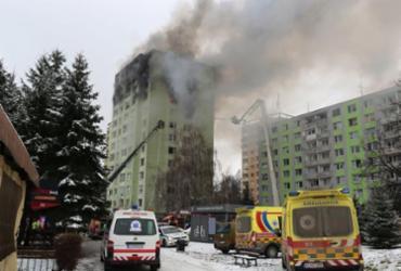 Explosão de gás seguida de incêndio deixa 7 mortos na Eslováquia | HO | Slovak Police | AFP