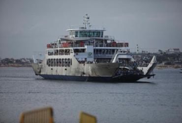 Após três dias suspensa, travessia Salvador-Mar Grande retoma atividades | Felipe Iruatã | Ag. A TARDE