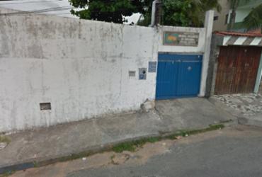 Jovem é morto a tiros em frente a centro espírita no bairro de Itapuã | Reprodução | Google Maps