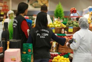 Operação 'Ceia de Natal' vai fiscalizar comércio de alimentos durante época natalina | Tiago Caldas | Ag. A TARDE
