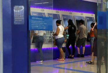 Caixa inicia pagamento de abono salarial para trabalhadores de dezembro | Uendel Galter | AG. A TARDE
