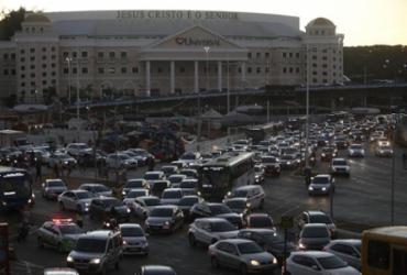 Manifestação de motoristas de aplicativo deixa trânsito congestionado |