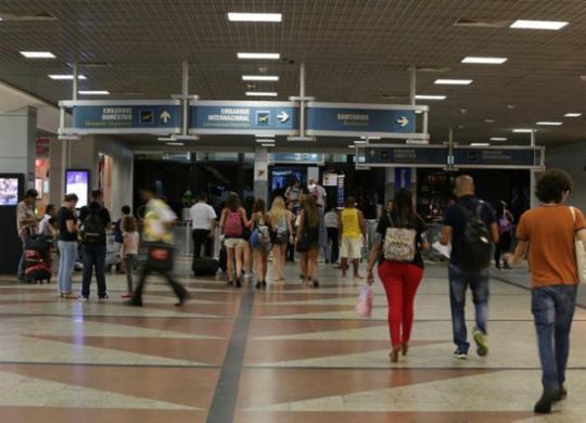 Marcado por avaliações negativas, aeroporto de Salvador irá para 'primeiras posições', diz secretário | Mila Cordeiro | Ag. A TARDE