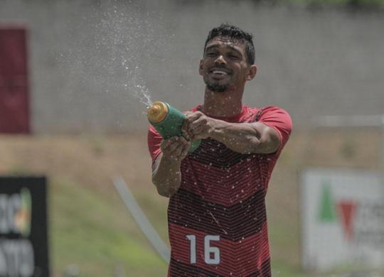 Vitória acerta permanência de mais cinco jogadores para 2020 | Letícia Martins | EC Vitória