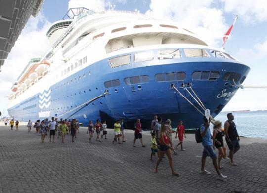 Verão deve atrair seis milhões de visitantes | Elói Corrêa | Gov-BA