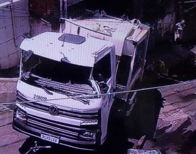 Motorista perdeu controle do veículo | Foto: Reprodução | TV Bahia - Foto: Reprodução | TV Bahia
