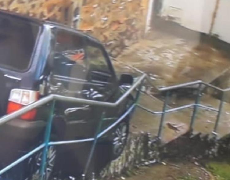 Acidente aconteceu na manhã desta segunda-feira | Foto: Reprodução | TV Bahia - Foto: Reprodução | TV Bahia