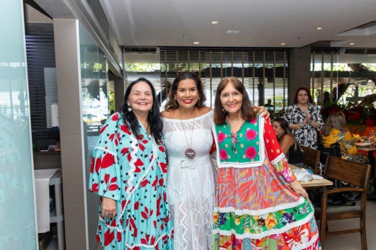 Ana Suely Vieira, Adriana Régis e Isabella Tavares   Foto: Álem Silva