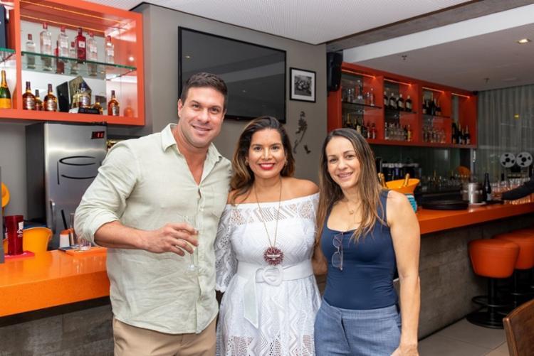 Marcio Sobral, Adriana Regis e Jo Abreu   Foto: Álem Silva