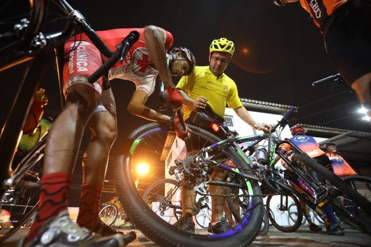 O passeio de bicicleta é gratuito e a saída está programada para às 19h, do Largo do Farol da Barra | Foto: Felipe Iruatã | Ag. A TARDE - Foto: Felipe Iruatã | Ag. A TARDE