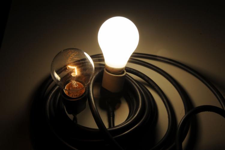 Consumidor terá de pagar R$ 1,343 a mais para cada 100 kWh consumidos | Foto: Marcello Casal Jr. | Agência Brasil - Foto: Marcello Casal Jr. | Agência Brasil