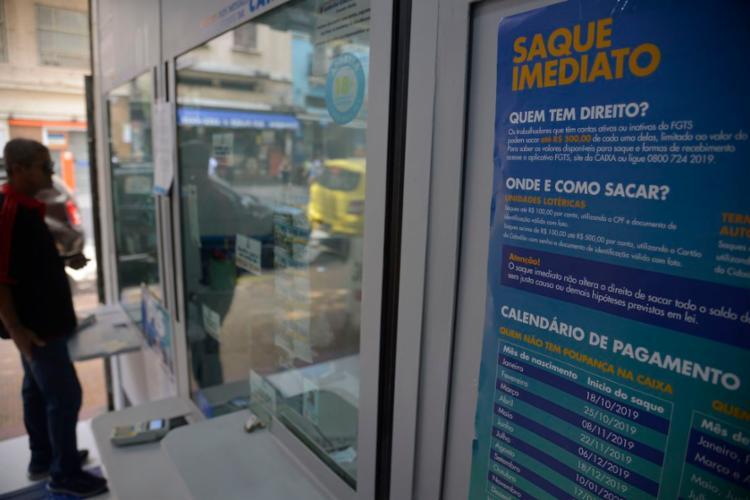 Quantia extra só vale para contas com saldo de até um salário mínimo | Foto: Fernando Frazão | Agência Brasil - Foto: Fernando Frazão | Agência Brasil