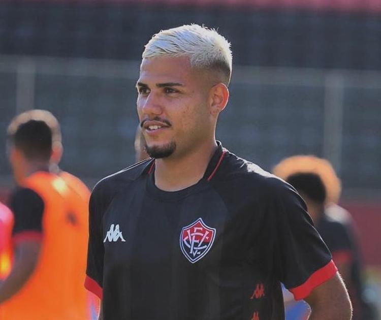 Com a camisa do Vitória Matheus Rocha disputou 26 partidas e marcou dois gols | Foto: Reprodução | Instagram - Foto: Reprodução | Instagram